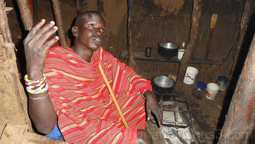 massai home interior kenya