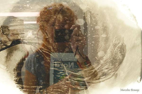 autoportrait reflet sur verre