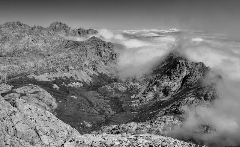 Sea of clouds (Picos de Europa)