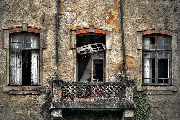 O vello hotel / The old hotel