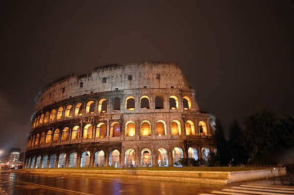 Coloseum By  (rainy) Night