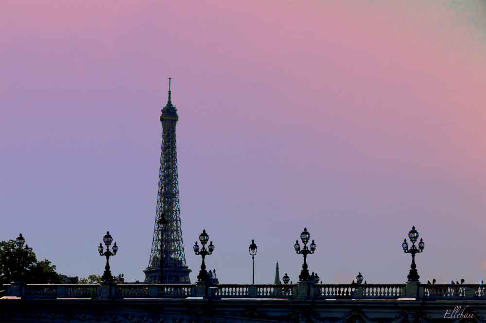 PARIS AVANT SOIR