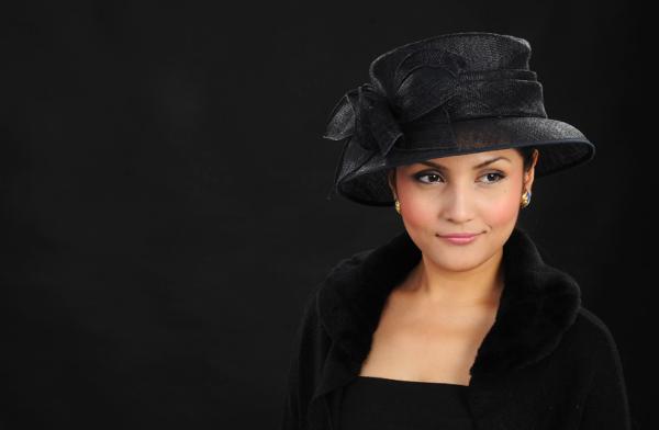 lady black hat