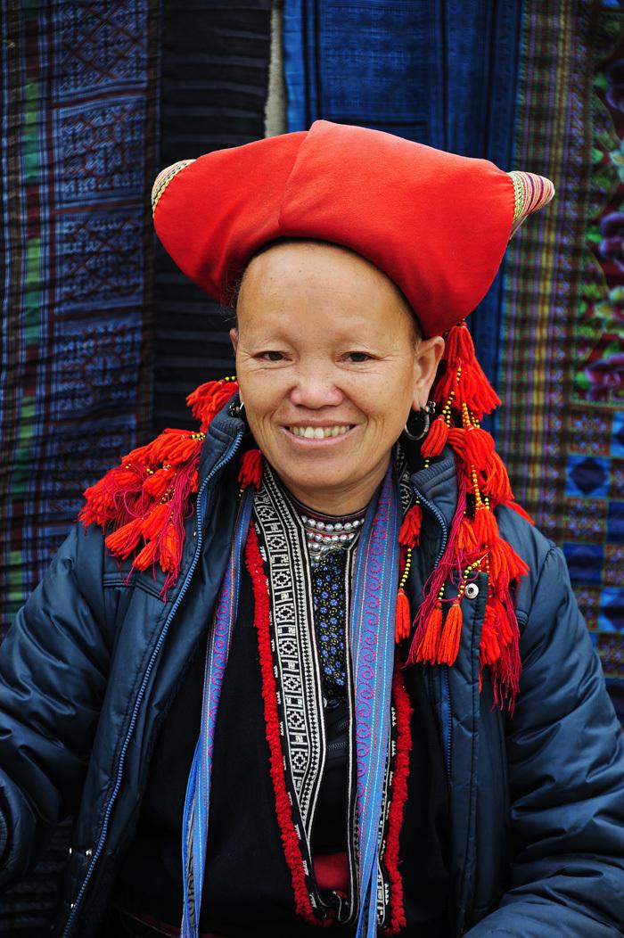 red Dzao woman tribe minority Sapa