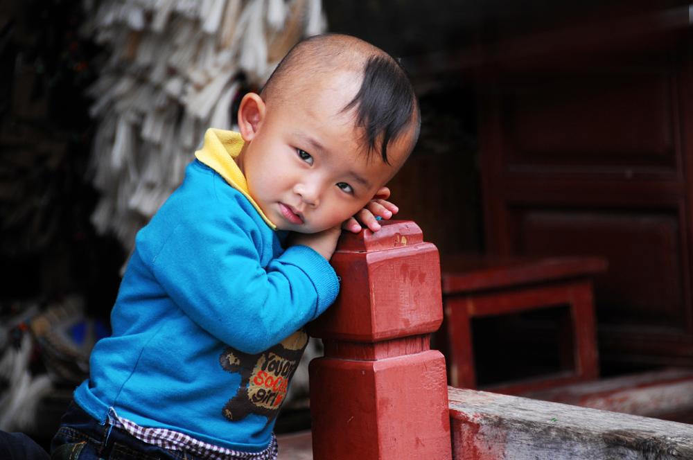 boy haircut Lijiang