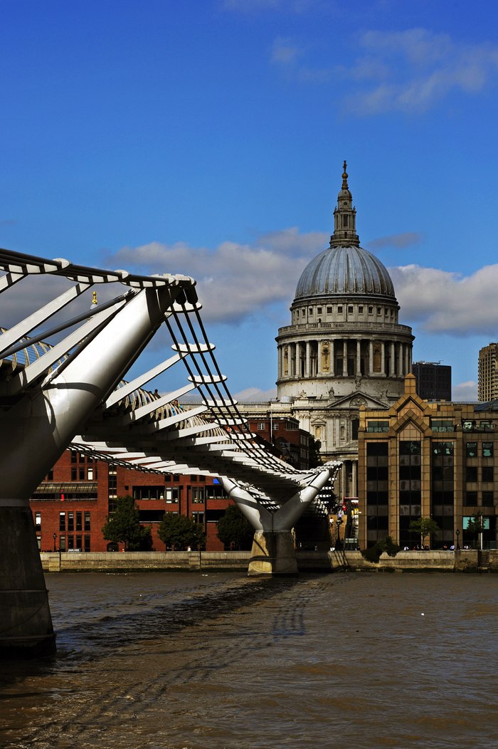 Millennium Bridge & St Paul's Cathedral, London