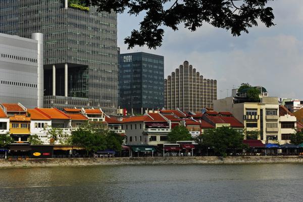 Boat Quay Singapore river pubs restaurants