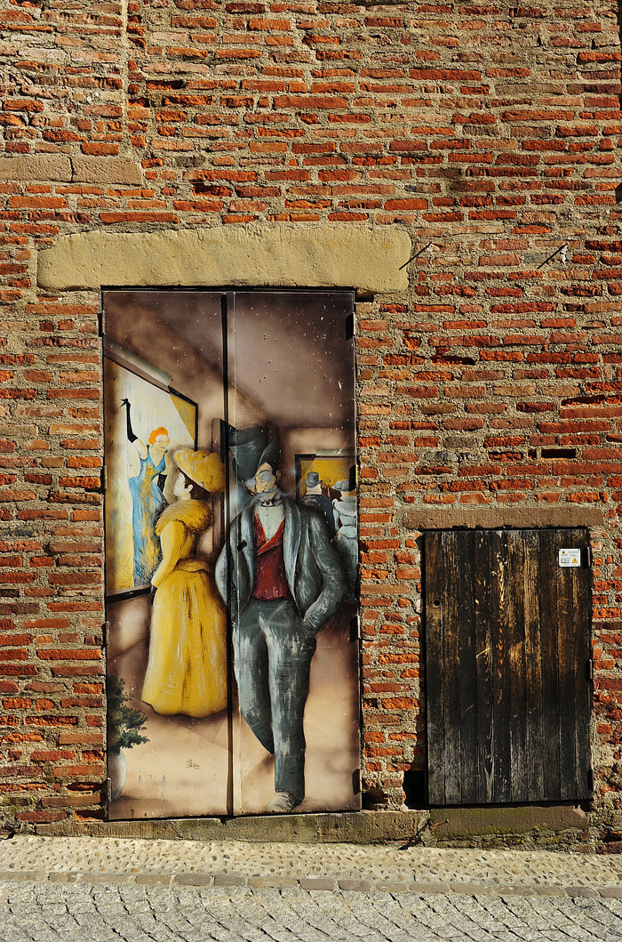 Decorated Door next to Toulouse Lautrec Museum