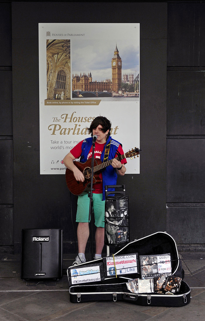 Busker - Westminster, London