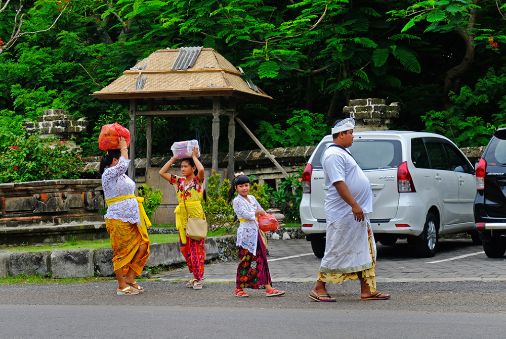 Going to Uluwatu Temple. Bali