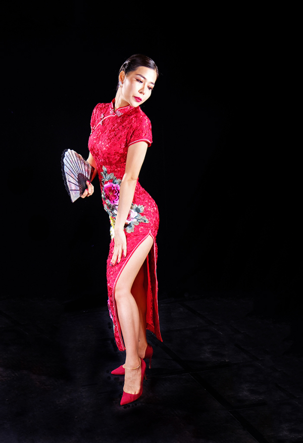 Lady in a red cheongsam