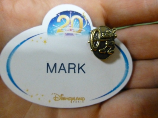 1 year Disney pin