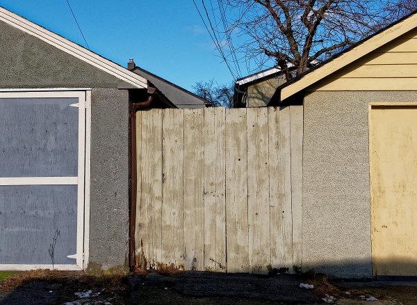 2 Garages