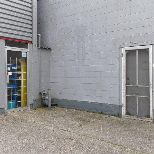 Two Doors (No Tiger)