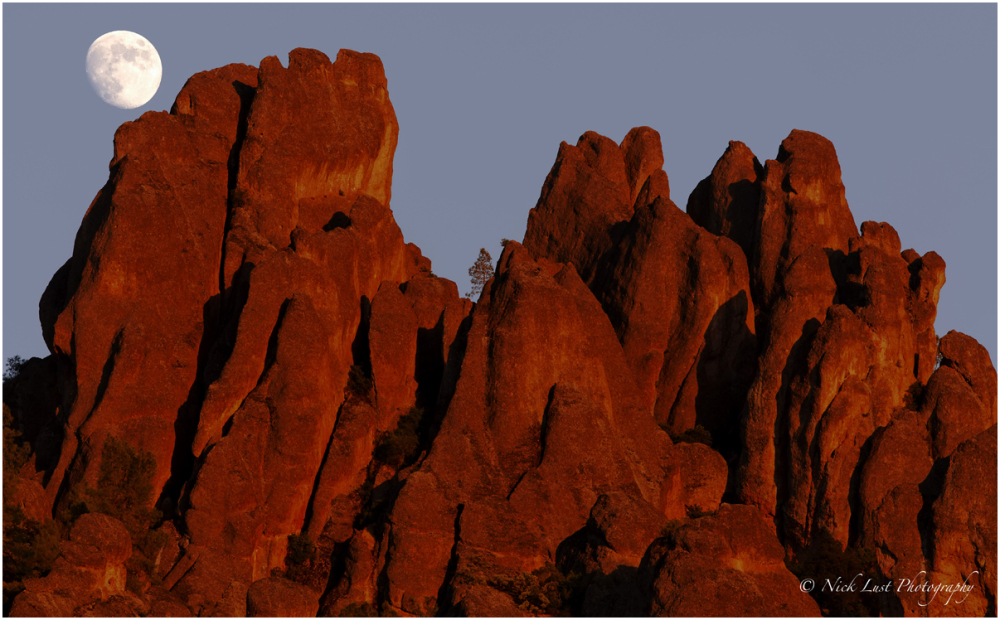 pinnacles national monument park moonrise