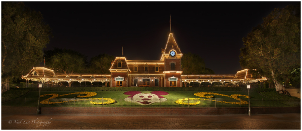 disneyland, main street station, mickey mouse, nig