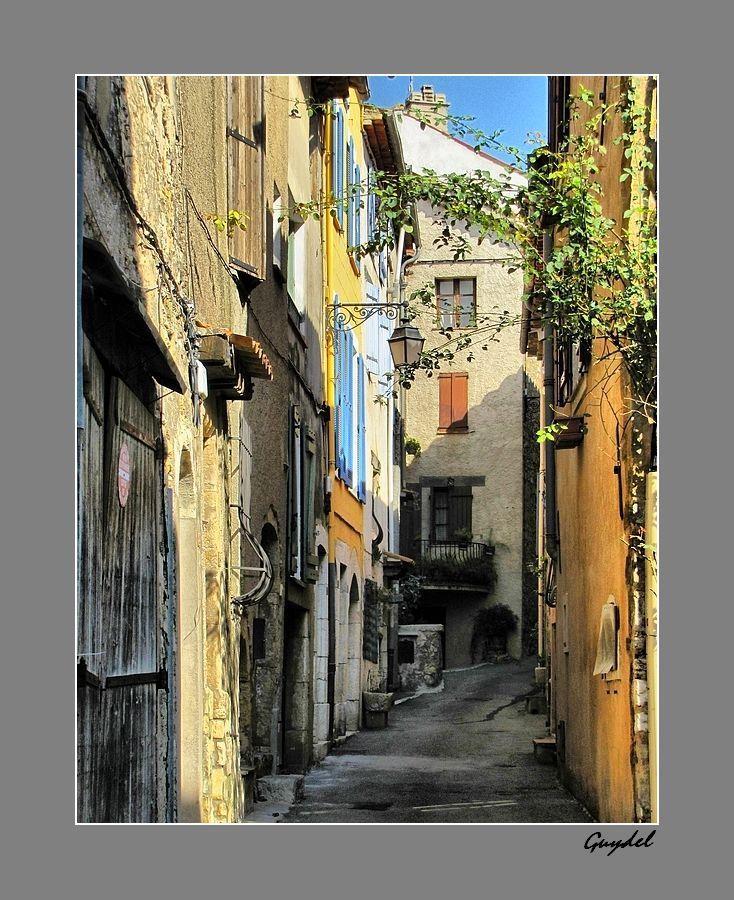 Rue du Rastel à Montauroux ( Var )