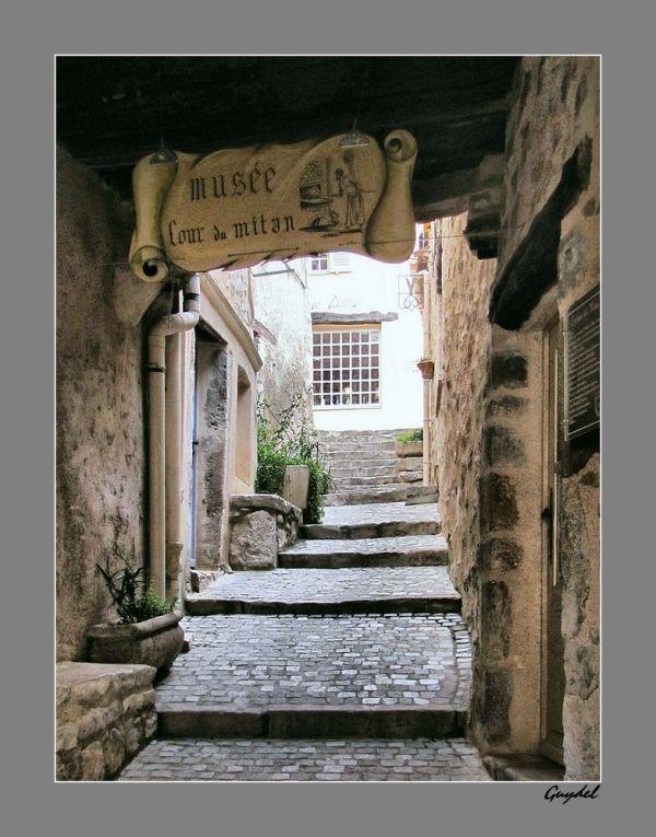 Rue du Four du Mitan à Fayence ( Var)