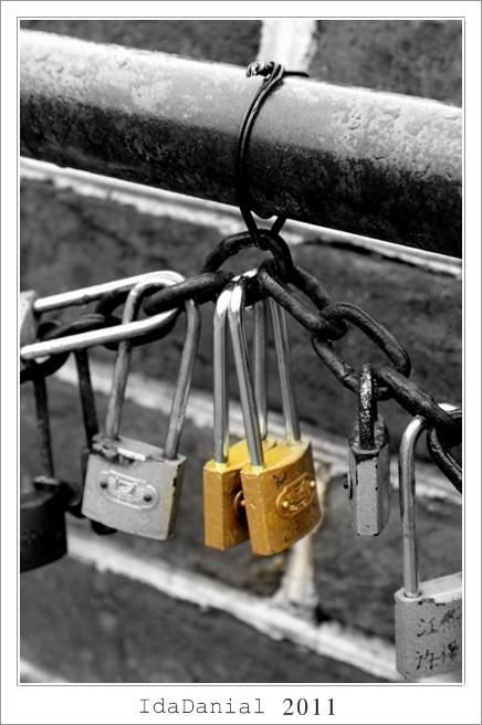 Love Locks, Love, Locks