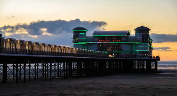 Grand Pier at night
