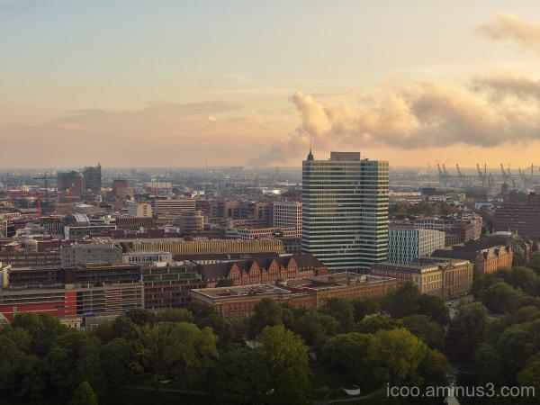 Hamburg awakes