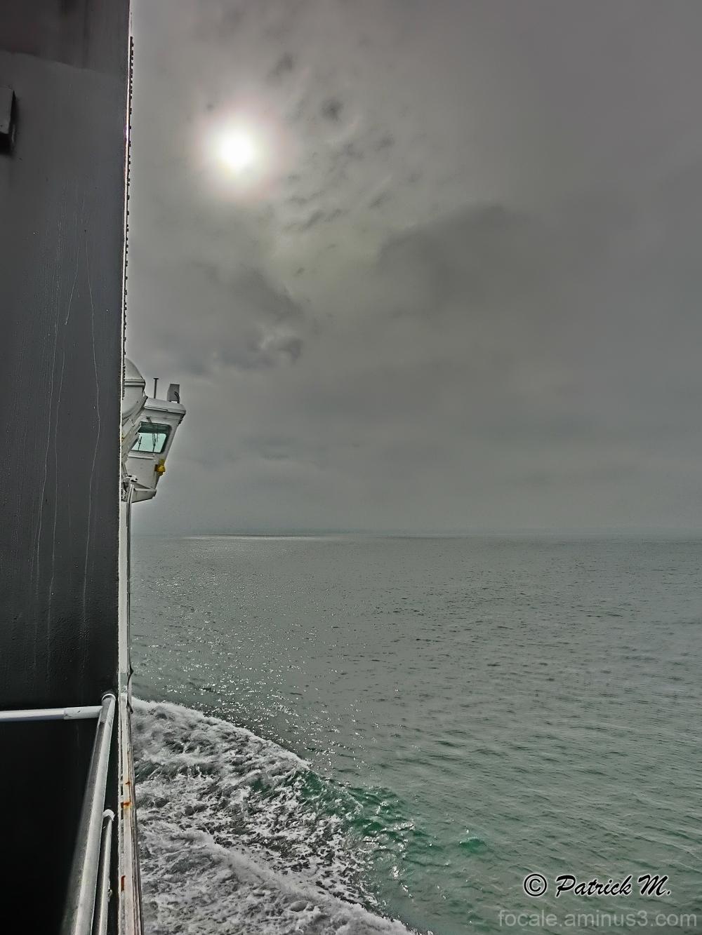 Un oeil sur la mer !