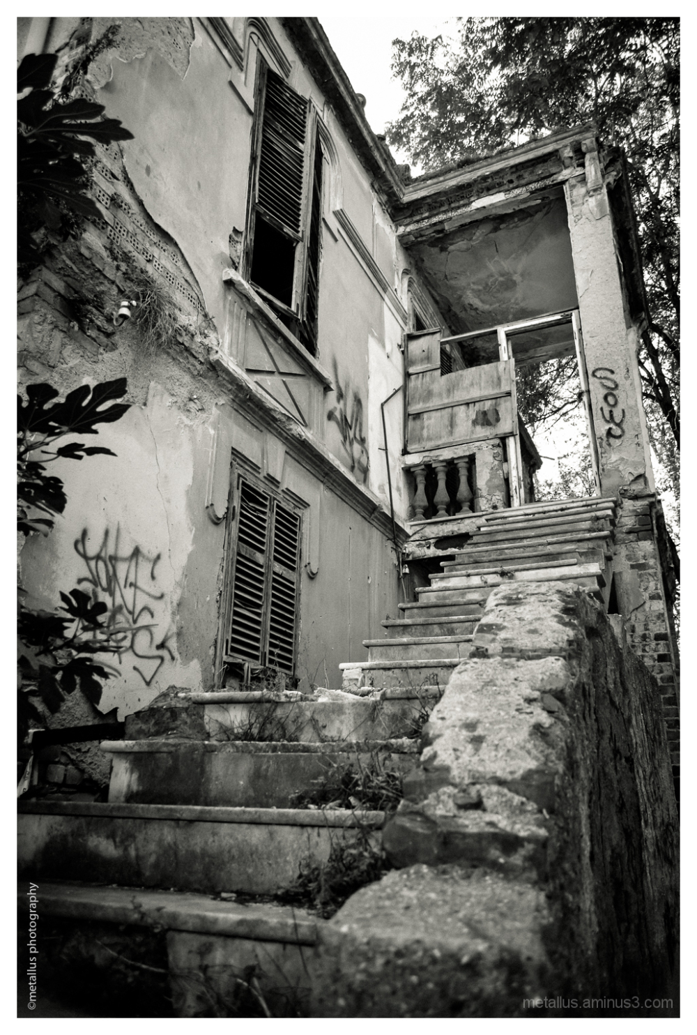 Abandoned House, Thessaloniki, Greece 2013