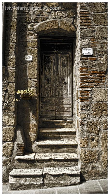 Pitigliano Tuscany Door