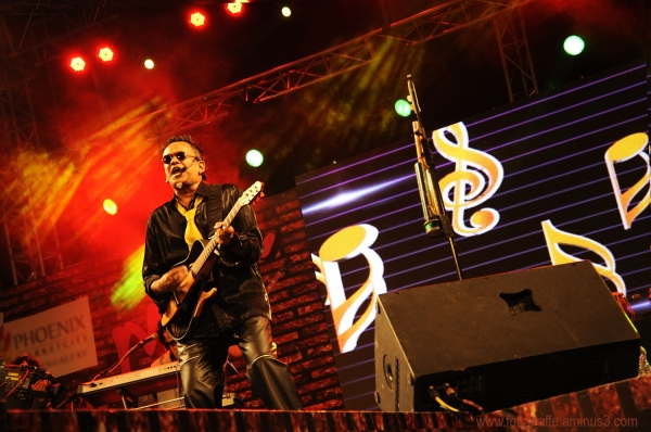Remo Fernandes at Bangalore 2012