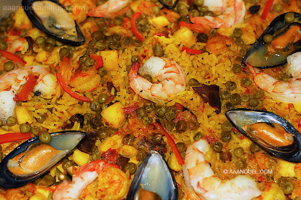 sea food rice shrimps paella aaanouel