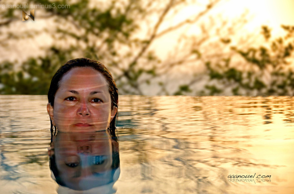 morèe infinite pool sun sunset yellow aaanouel