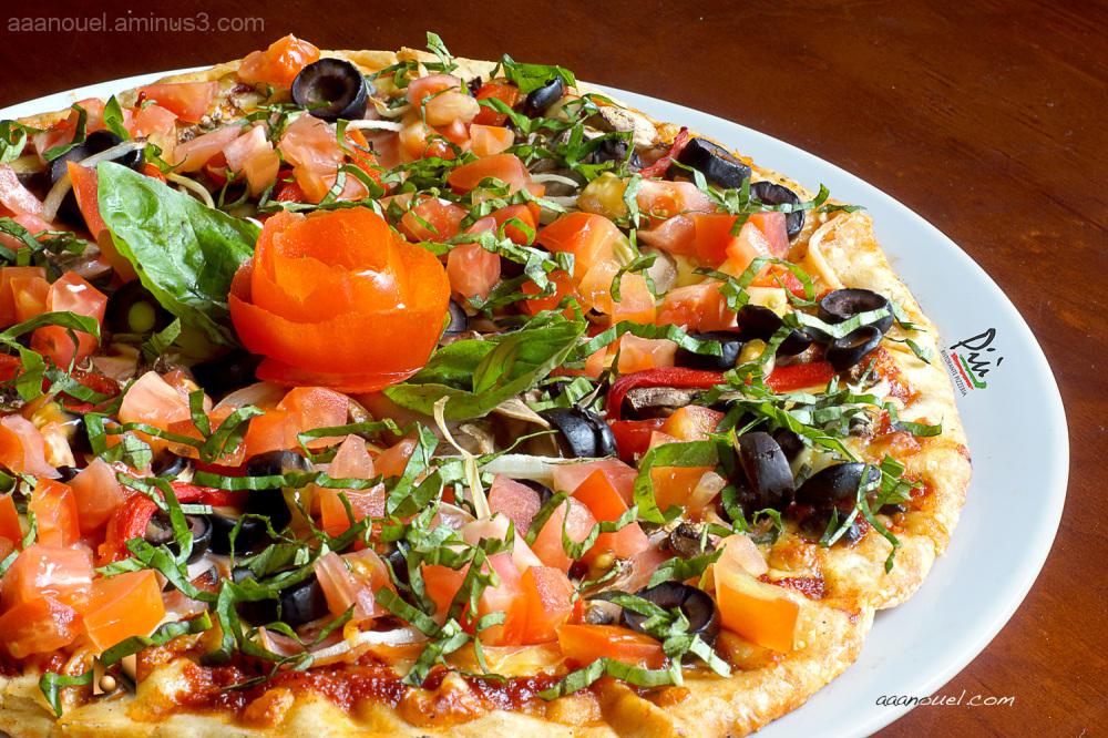 Vegetarian Pizza più restaurant san jose aaanouel