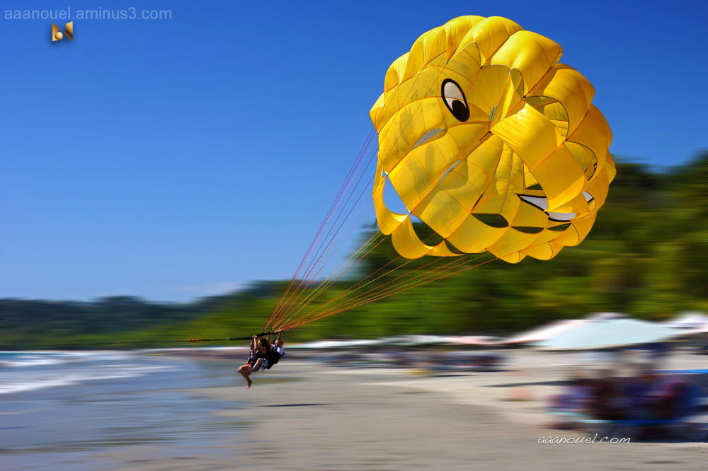 Parasail speed Manuel Antonio beach aaanouel C.R.