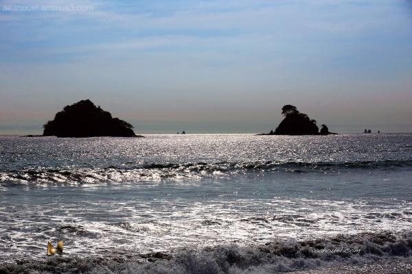 rock beach island aaanouel tamarindo costa rica