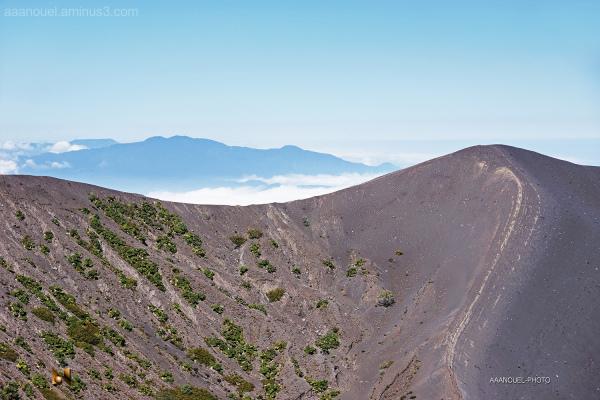 Iaru barba poas volcano aaanouel costa rica