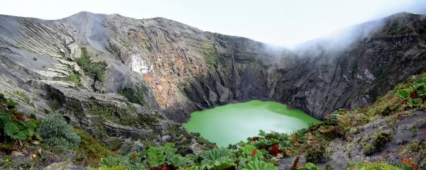 irazú volcano lagoon 2009 aaanouel costa rica
