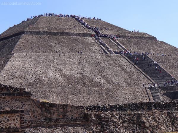 Teotihuacán Sun Pyramid México aaanouel