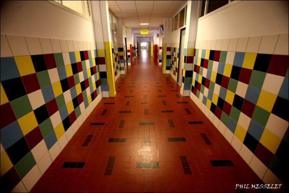 couloir lycée