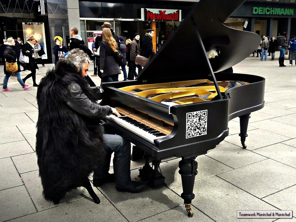 Piano Player in the street