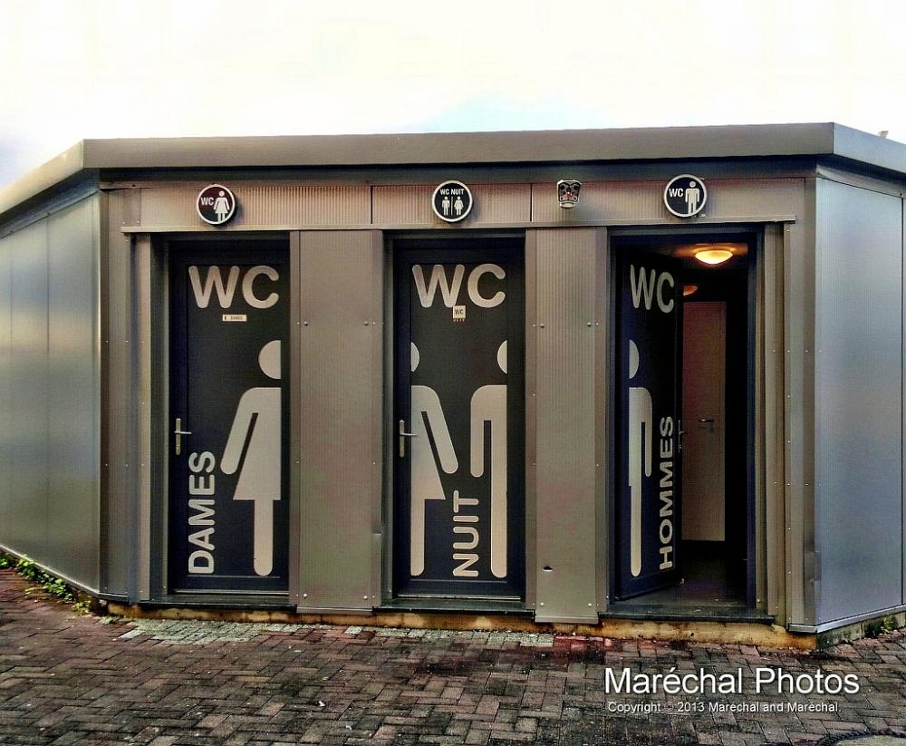 Public Toilett