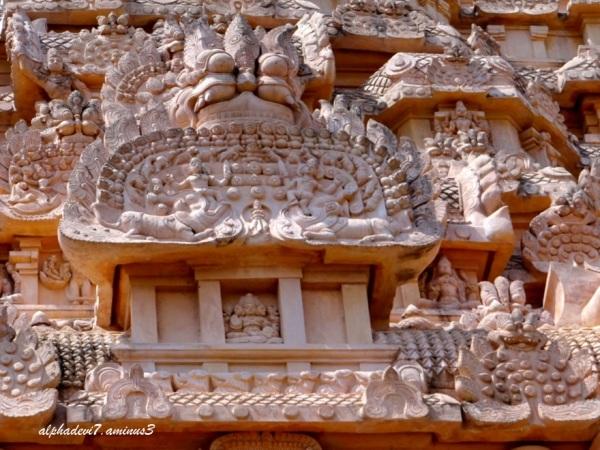 Closeup of sculptures