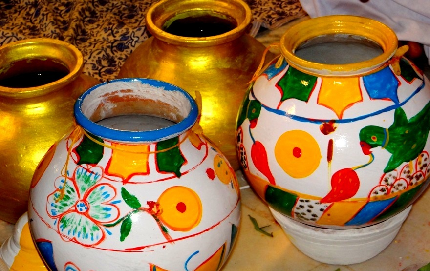 The painted pots