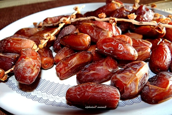 Luscious fresh dates...