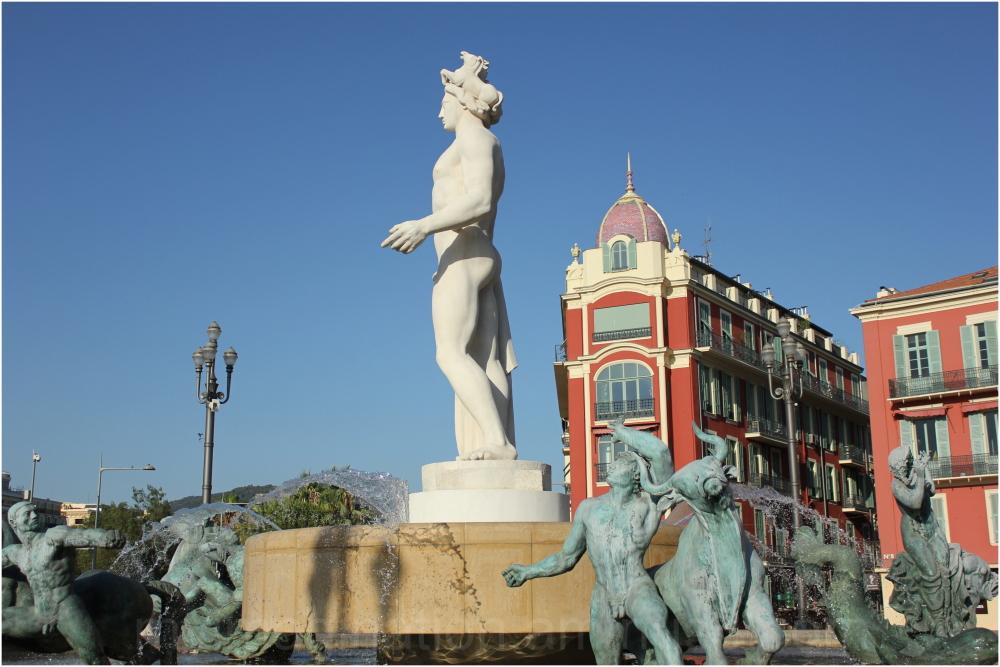 Place Massena Fountaine du Soleil-II