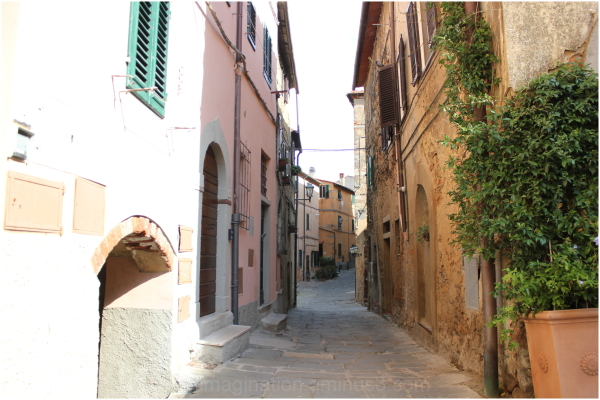 A peaceful narrow lane