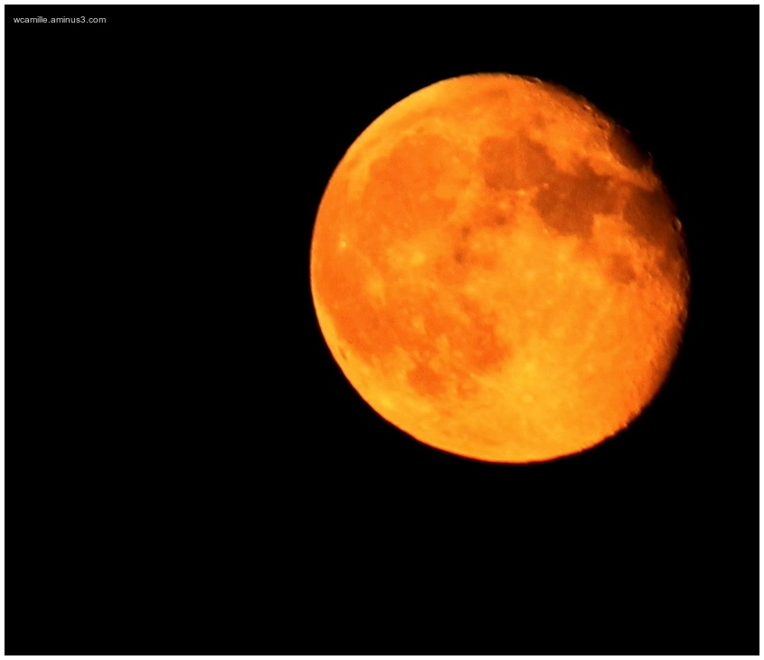 Tuscan Moon, solar