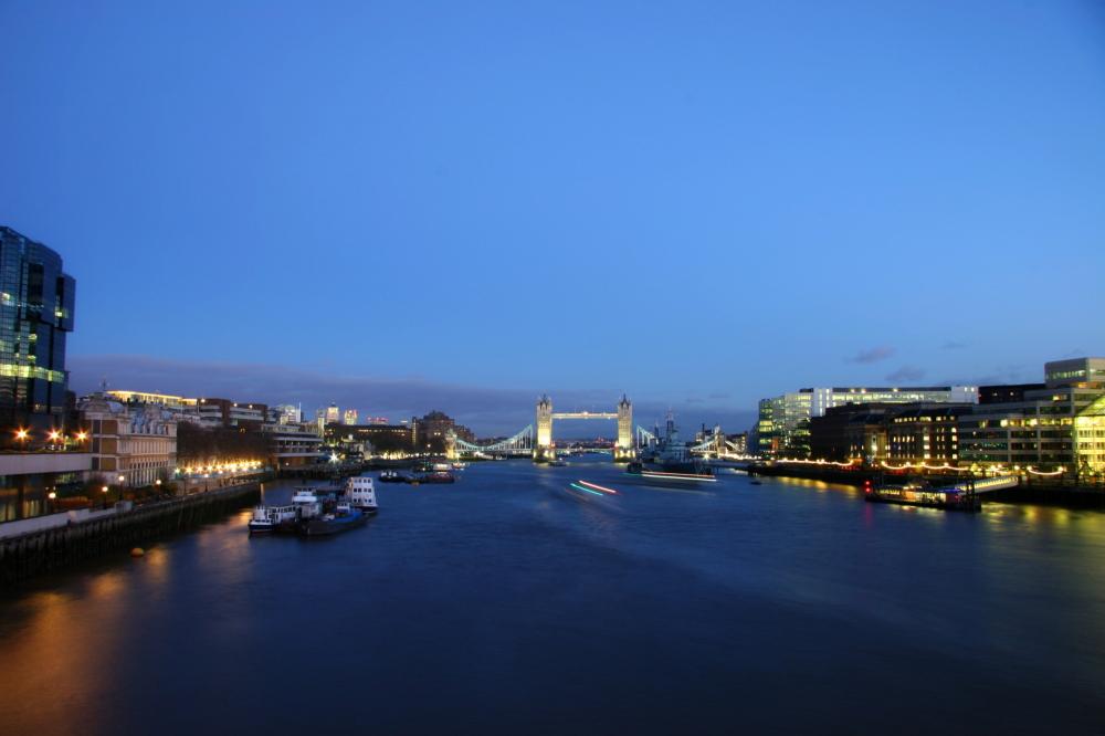 London bridge by nignt