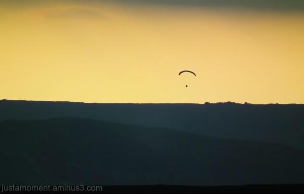 derbyshire paraglider