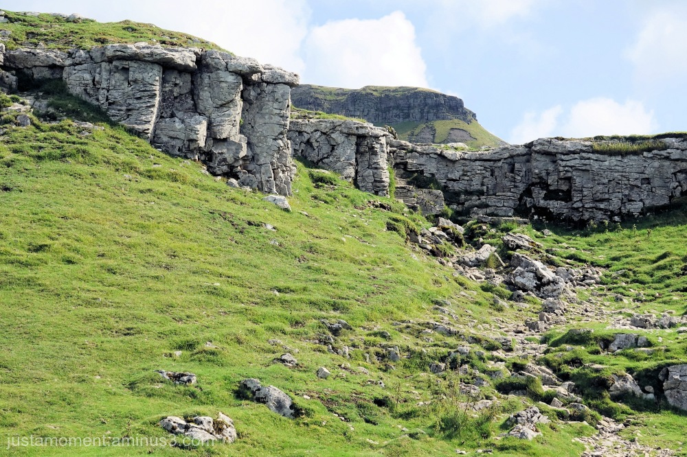 The path to Pen-y-ghent.