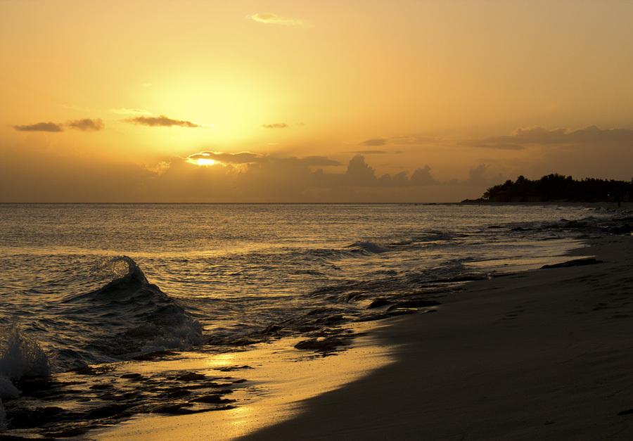 Sunset Baie Longue